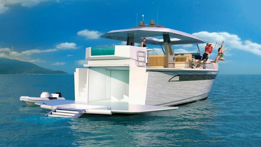BADEBÅT: Med nedfellbare fribord og gigantisk badeplattform innbyr Astonda Top Deck 63 til morsomme aktiviteter.