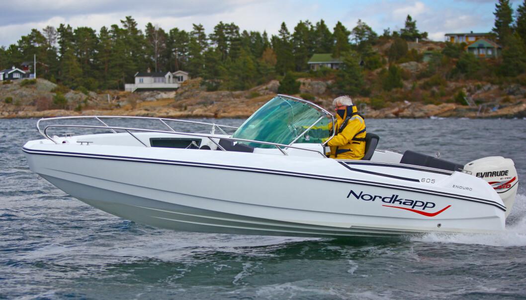 FART: Myndighetene vil innføre generell fartsgrense for fritidsbåter