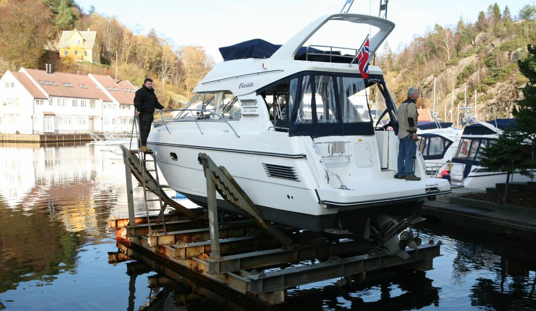Formene til Viksund-båtene ligger i følge bostyrer i boet etter konkursen. Her fra en sjøsetting ved produksjonsanlegget i Strusshamn. FOTO: Trond J. Hansen