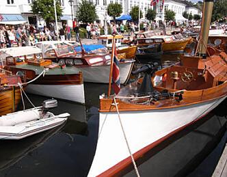 Forsvarsministeren åpner Risør trebåtfestival