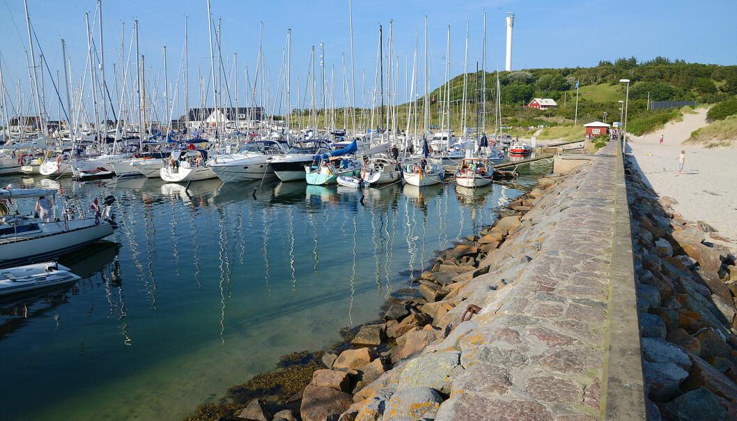 DANMARK: En tur til Danmark kan ikke gjøres på sparket. Det kan gjøre at det blir færre båter på Anholt i år som er kjent for mange tyske og svenske båter.