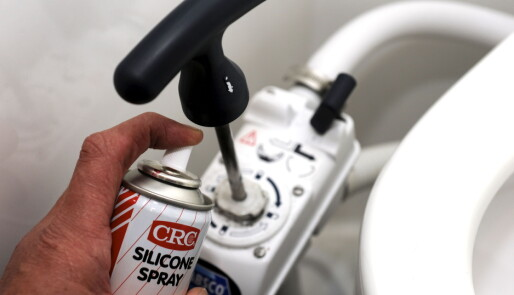 Slik tar du vare på et manuelt toalett