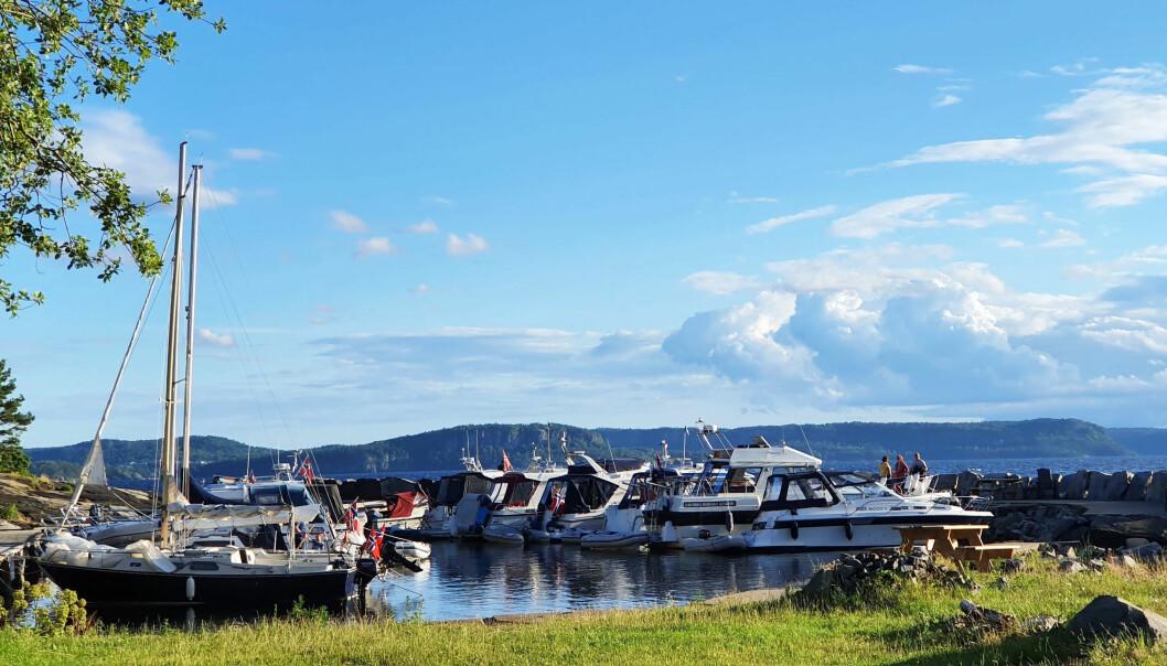 GODT BÅTLIV: Med vakker natur og hyggelige folk er båtlivet på sitt beste, her fra Mølen i sommer.