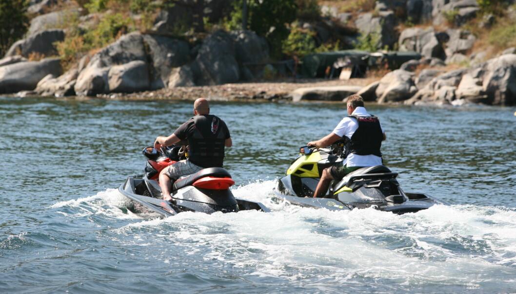 ANSVARLIGHET: Sunn fornuft, sjømannskap og respekt for reglene gjelder også førere av vannscootere.