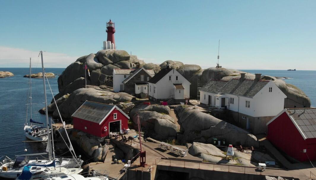 RESTAURERT: Drivergjengen i Fredriksvern og Gokstad Kystlag har gjort et fantastisk arbeid med hus og brygger på Svenner fyr.