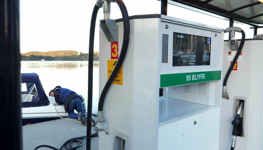 DYRERE: Drivstoff til båtbruk blir dyrere med statsbudsjettet som legges fram i dag.