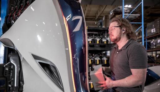 Stopper produksjon av Seven Marine - verdens største utenbordsmotor
