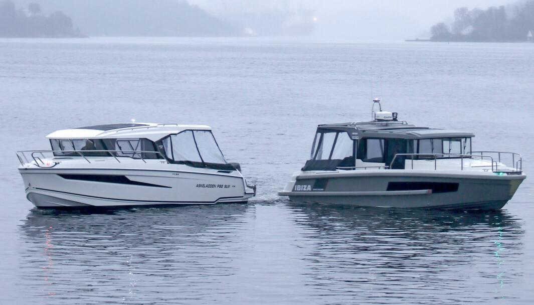 TO HELÅRSBÅTER: Askeladden P92 til venstre og Ibiza Grand Explorer