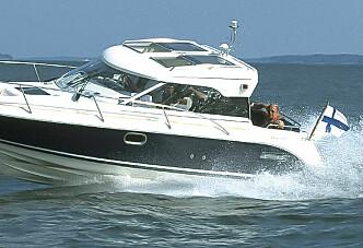 Aquador 23 HT - den ustødige svanen