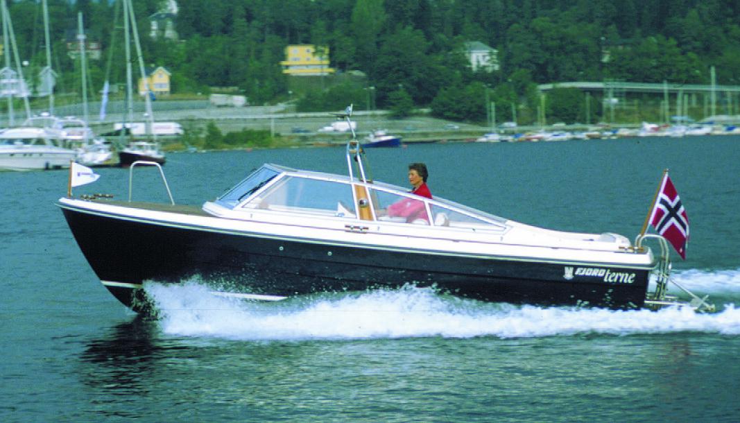 STILRENT: Fjord Terne 21 ble testet i Praktisk Båtliv 9 1999.
