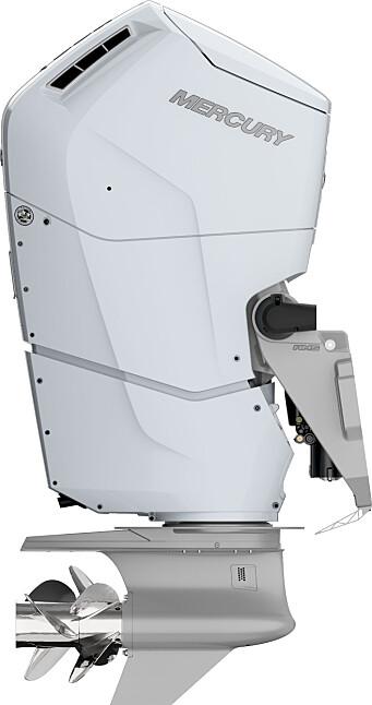 KRAFTPAKKE: Den nye V12-motoren fra Mercury yter 600 hk og har et sylindervolum på 7,6 liter. Click to add image caption