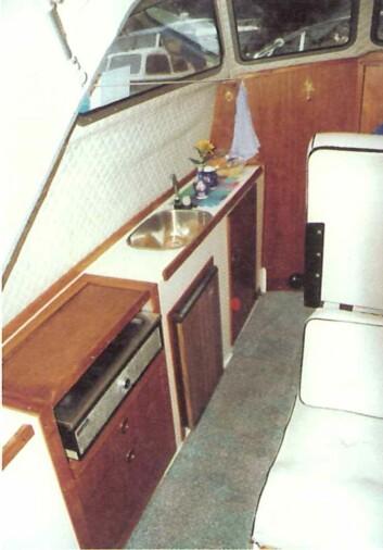 SAGA 7000: Smal med praktisk pantry.