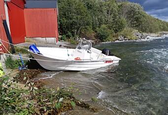 Forliste nesten da båten sprakk
