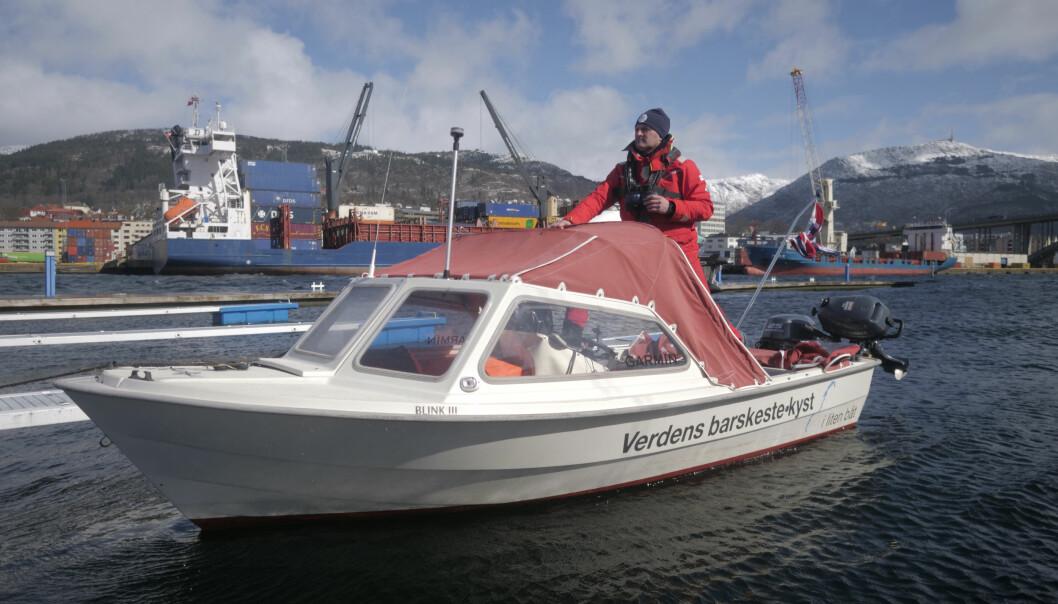 KURS FOR BODØ: Tom Inge Karlsen la ut fra Bergen i dag. Om 40 dager fortøyer eventyreren i Bodø.