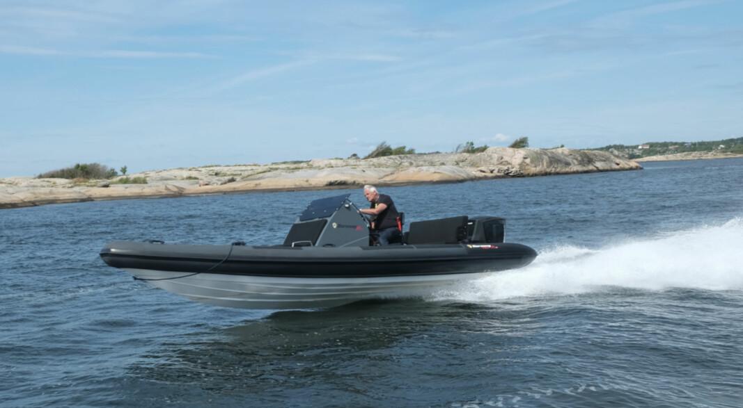 TUSENVIS: Mellom 8- og 18000 førere av båter som går over 50 knop skal det neste år bevise høyhastighetskompetanse.