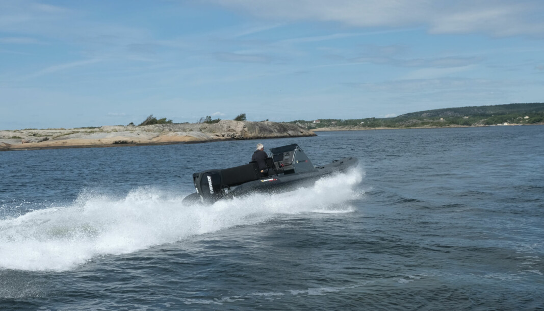 HOLDNINGER: Ydmykhet og gode holdninger skal kreves av alle som ferdes på fjorden, ikke bare blant hurtigbåtførere. FOTO: AMUND RICH. LØKEN