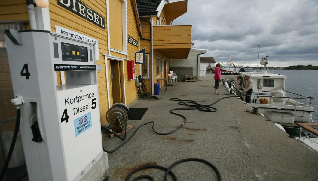 ALTERNATIVER: Diesel og bensin da? Der har vi større problemer med å foreslå alternativer. Eller, hvor ble det av biodrivstoffet? (ILLUSTRASJONSFOTO: ATLE KNUTSEN).