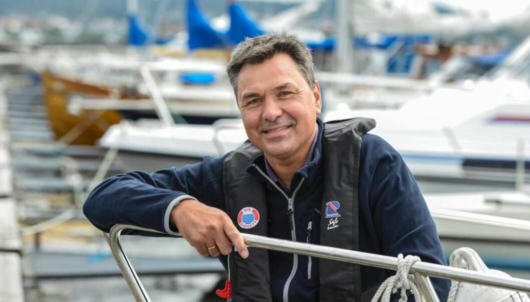GIR SEG: Sjøfartsdirektør Olav Akselsen har lenge vært syk og trekker seg fra stillingen. Foto: Steinar Haugberg, Sjøfartsdirektoratet.
