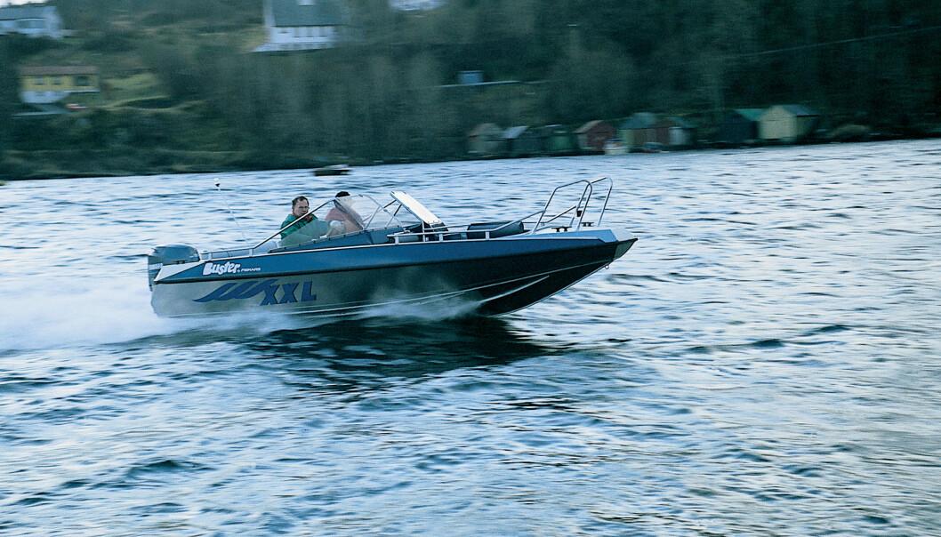 BUSTER XXL: Tredje generasjon ble testet i Praktisk Båtliv nummer 4 2000.