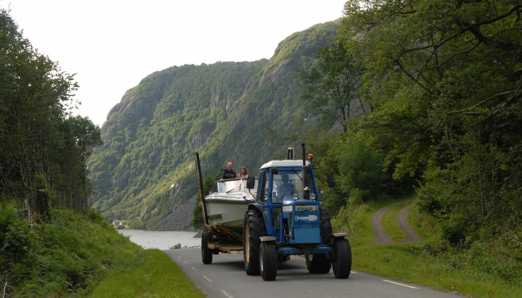 SNARVEIEN: Båttrekket over Lista er fortsatt en populær snarvei mellom Eidsfjorden i bakgrunnen og Listeid.