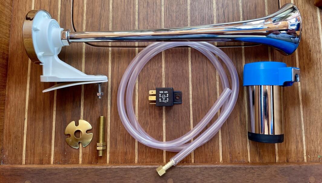 LUFT: Kompressorhornet MA1-C fra italienske Marco består av et trompethorn, en 12V kompressor, slange og et relé. Bryter må suppleres i tillegg.